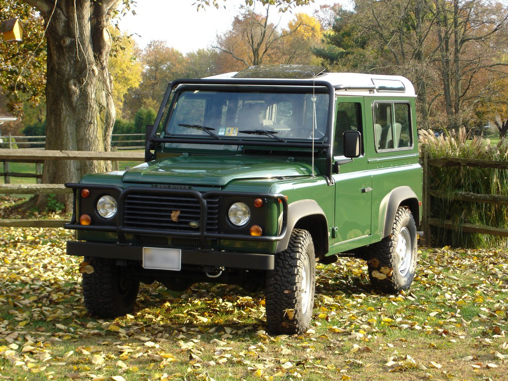 Land Rover Defender 90, 110, 127
